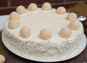 Торт из конфет рафаэлло