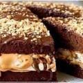 торт сникерс из крекера