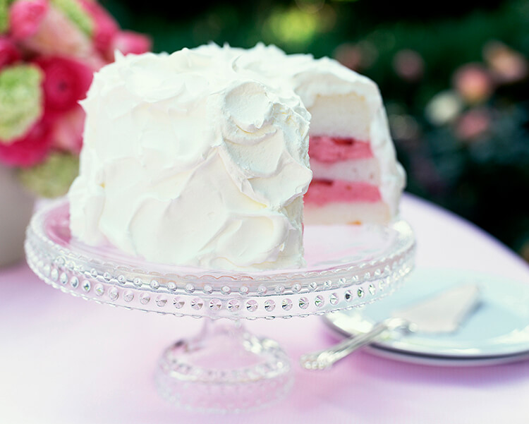как украсить торт белковым кремом в домашних условиях видео