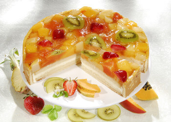 украшение тортов различными фруктами