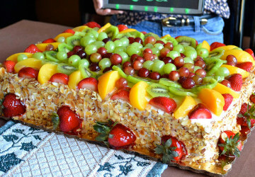 красивый фруктовый торт