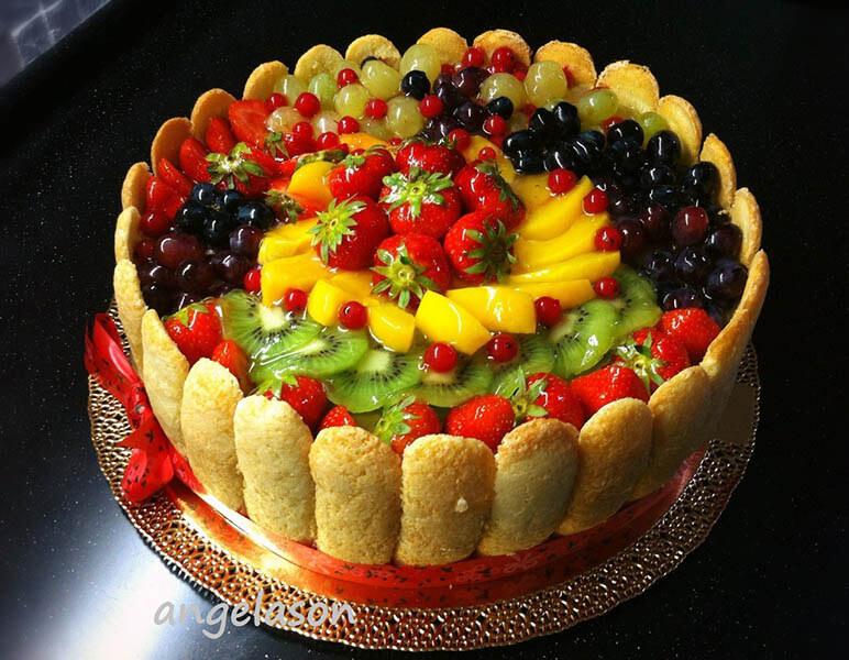 торты украшенные фруктами фото