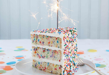 торт украшеный посыпками