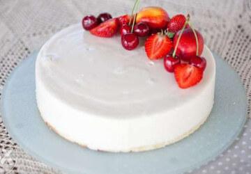 украшение торта белой шоколадной глазурью