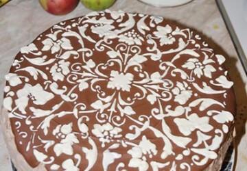 как украшаются торт с трафарета