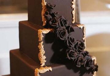 квадратный многоярусный торт