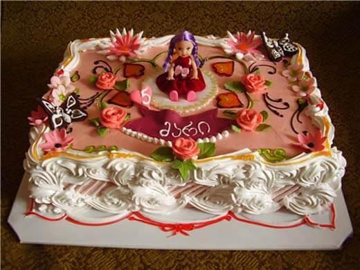 Торт своими руками украшенный кремом