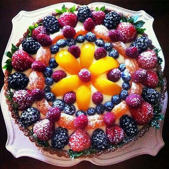 как украсить торт ягодами в домашних условиях фото пошагово