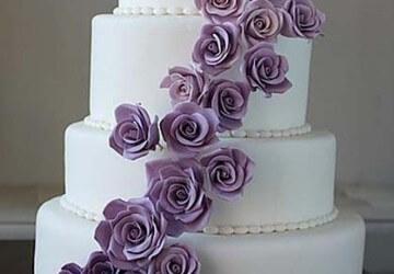 многоярусный торт из мастики
