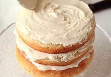 пропитываем торт сметанным кремом