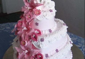 свадебный торт с лебедем
