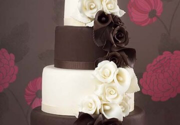 свадебный торт с шоколадными цветами
