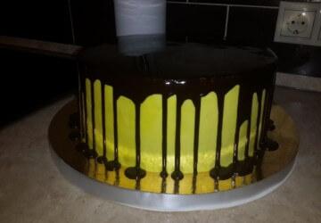 украшаем торт трактор12