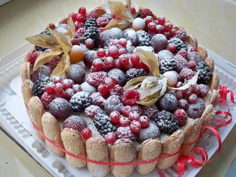 Как украсить торт фруктами своими руками с фото