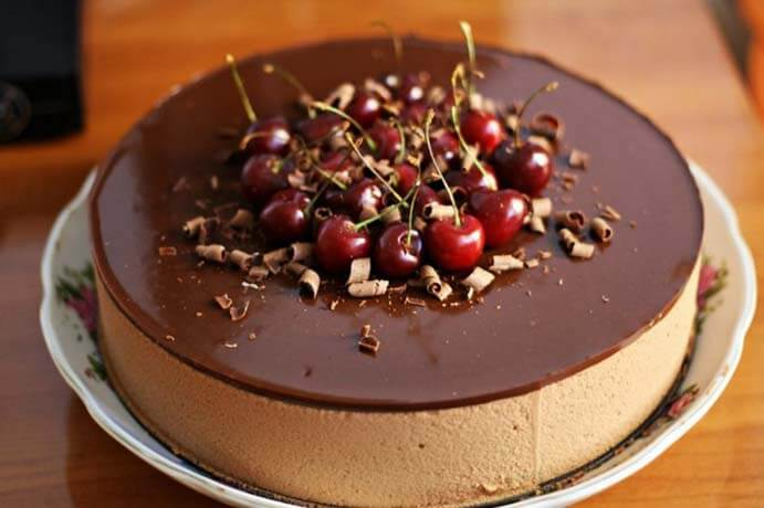 как украсить торт прага