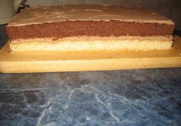 11 прямоугольный торт смазываем кремом