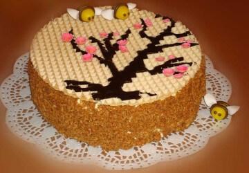 вафельное украшение медового торта