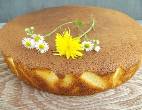 Как испечь вкусный бисквитный торт