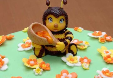 пчелка из мастики