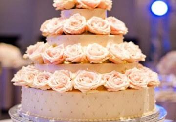 торт оригинально украшенный цветами