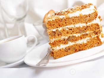 классический медовый торт