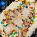 Новогодний слоеный пирог в виде Елки с шоколадной пастой