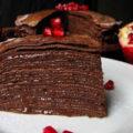 Как приготовить шоколадный блинный торт?