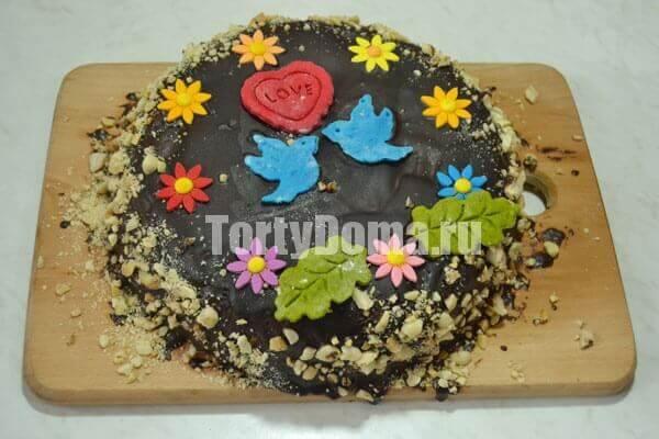 Торт с черносливом готов