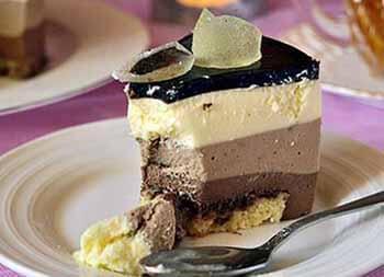торт 3 шоколада из бисквита савоярди