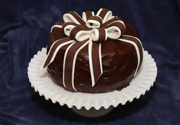 подарочный торт из шоколада