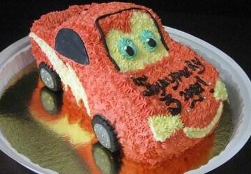 торт машина украшеный кремом