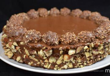 шоколадный торт с конфетами