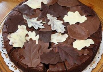 tort-s-shokoladnimi-listjyami