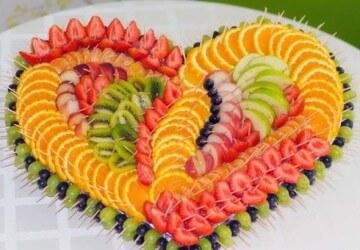 сердце из карвинга фруктов