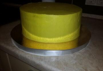 украшаем торт трактор11