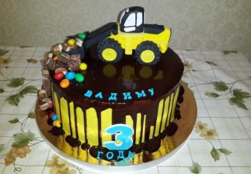 украшаем торт трактор13