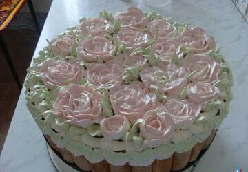 украшение цветами из белкового крема