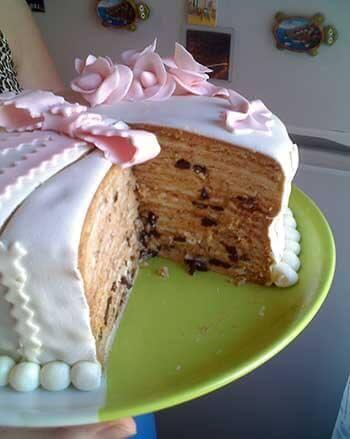 медовый торт покрытый мастикой