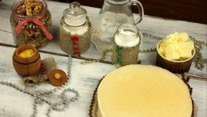 Ингредиенты для вафельного торта с орехами