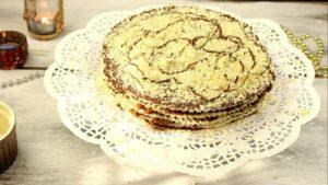 Украшаем вафельный торт